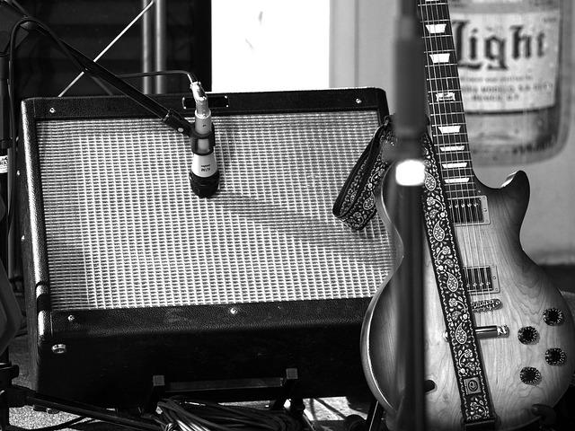 amplifier-700445_640