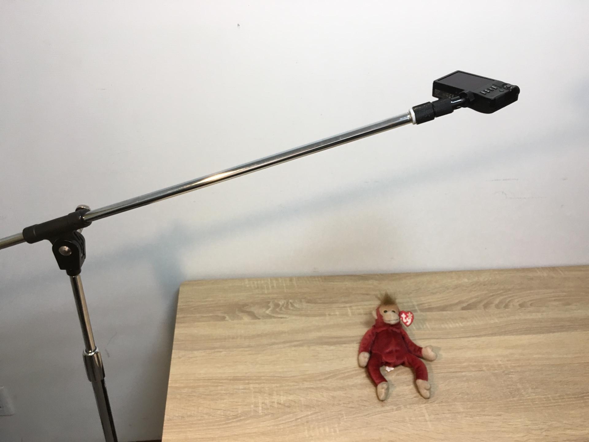 通常のカメラ三脚で困難な撮影は標準ブームマイクスタンドで対応できる!